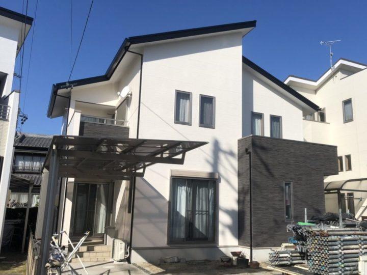 真っ白な外壁と付帯の黒でスタイリッシュに|高浜市K様邸|西尾市・安城市の塗り替え屋本舗 549 施工データ  外壁・付帯塗装 屋根塗装 トップコート 完工