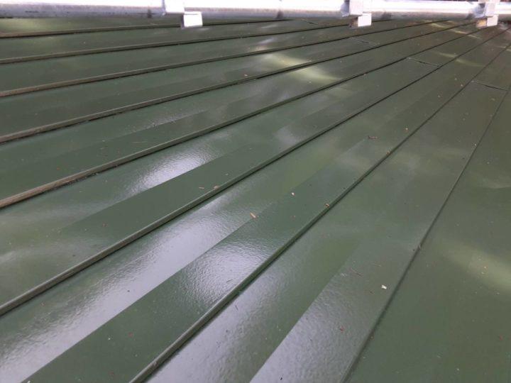 完成 トタン屋根