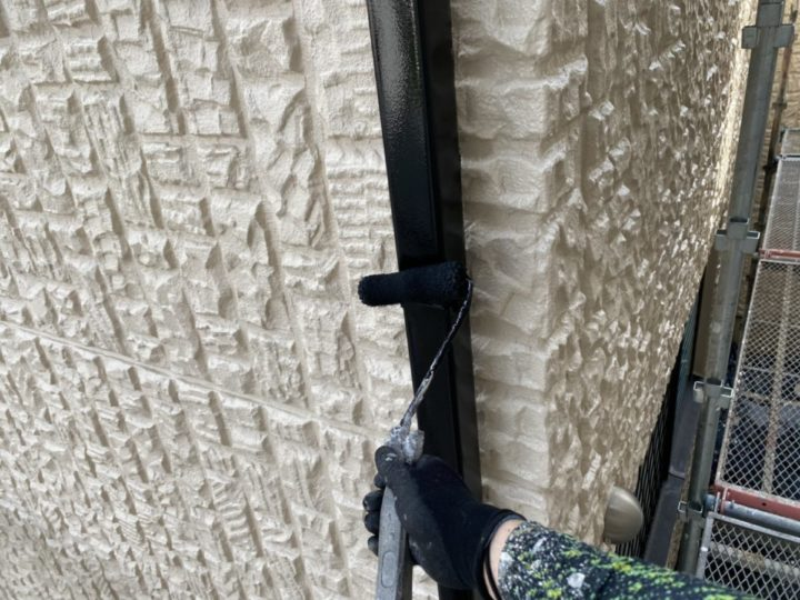 雨樋 上塗り施工中