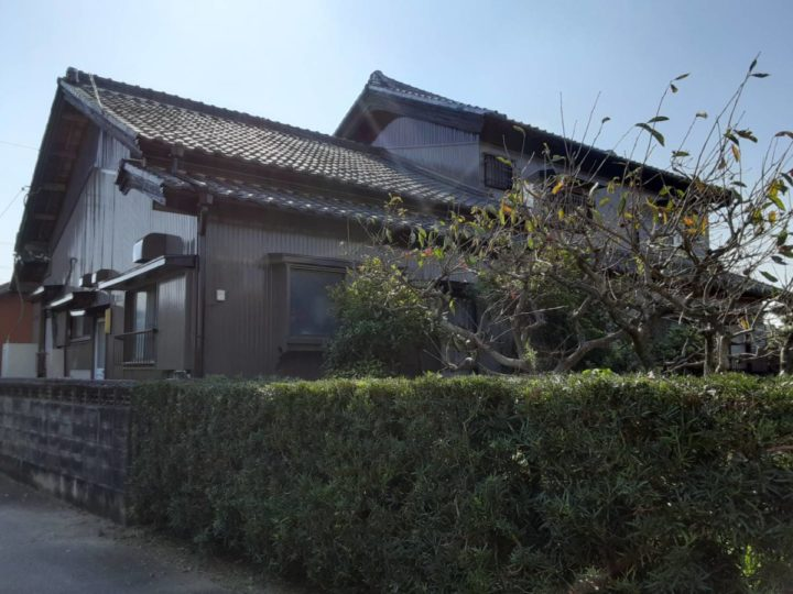 ブラウンの外壁で重厚感のある仕上がりに!|愛知県西尾市S様邸|愛知県西尾市・安城市の塗り替え屋本舗 愛知 632 施工データ  完工