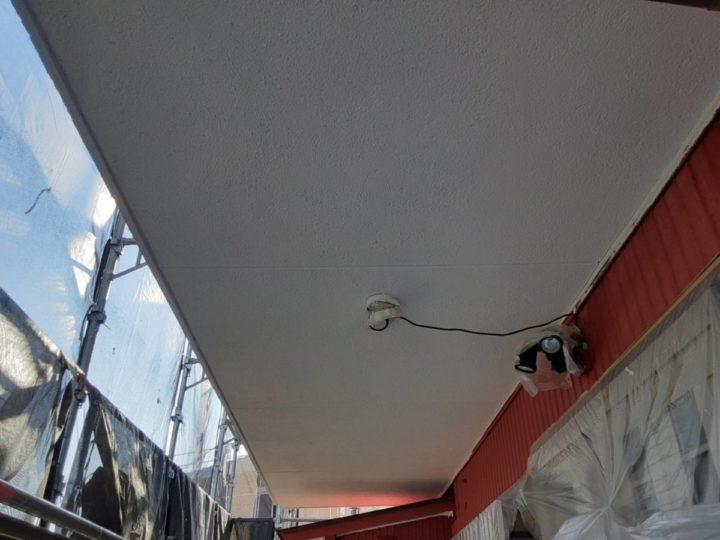 軒天塗装(ケイカル板)  上塗り完成