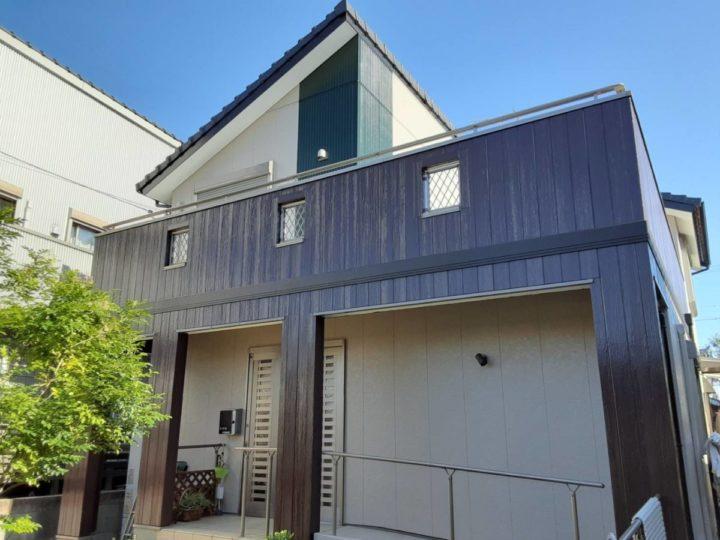 ダークブラウン×ベージュ×アクセントカラーのグリーンの外壁でスタイリッシュな仕上がりに❣|愛知県高浜市K様邸|愛知県西尾市・安城市の塗り替え屋本舗 愛知 641 施工データ  完工