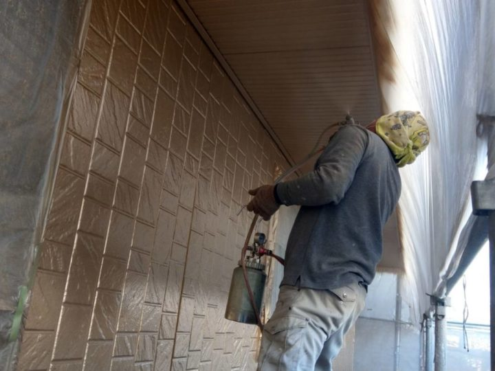 2階外壁 上塗り2回目