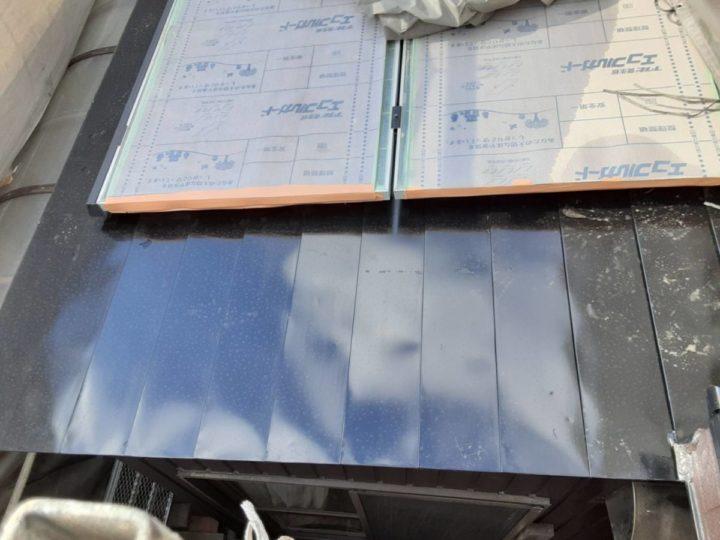 板金屋根 上塗り完成✨