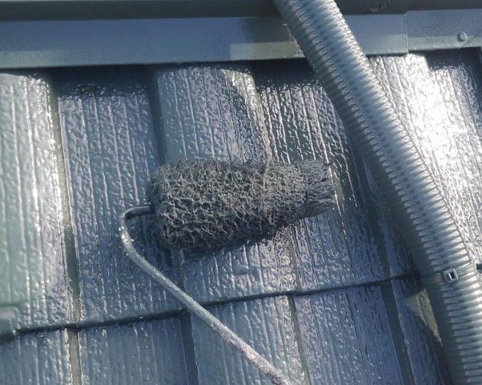 屋根上塗り 施工中