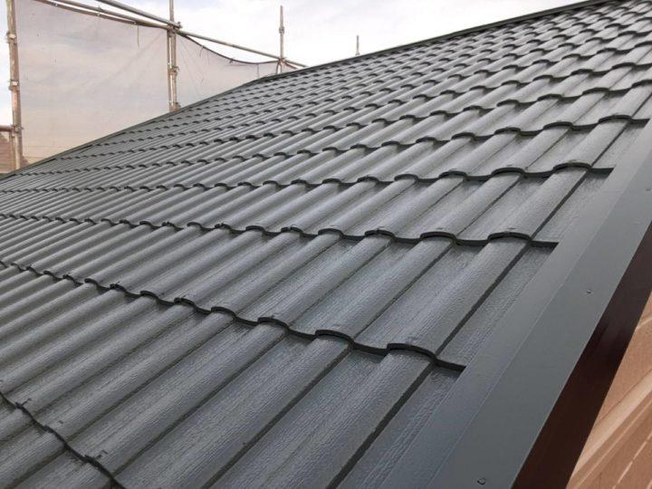 屋根上塗り完成✨