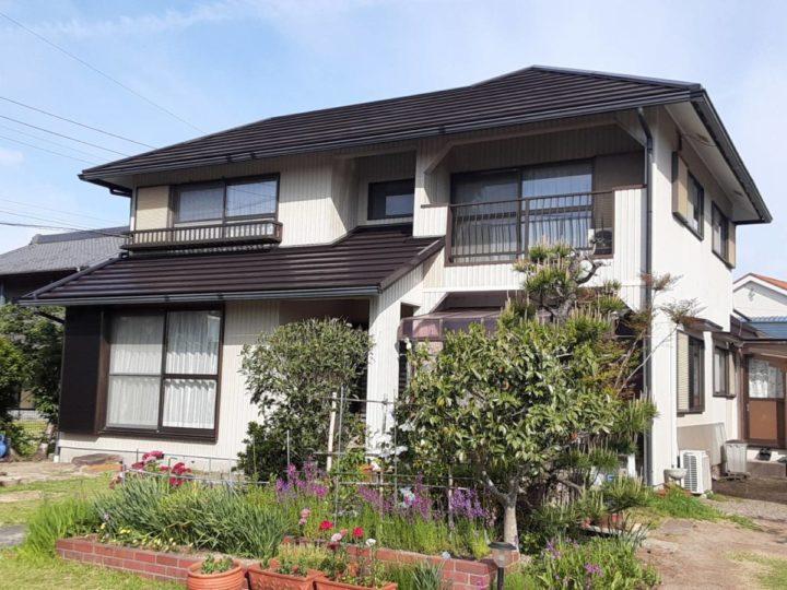 コーヒーブラウンの屋根に塗り替え 明るい印象に仕上がりました😊|愛知県西尾市S様邸|愛知県西尾市・安城市の塗り替え屋本舗 愛知 694 施工データ  完工