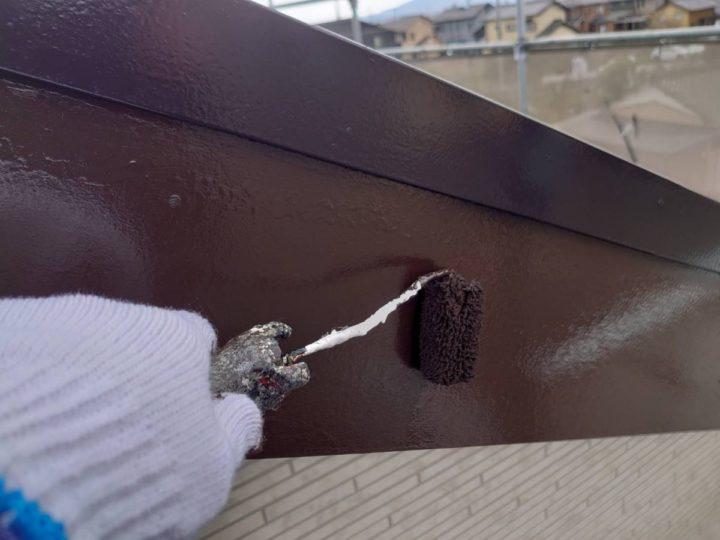 破風 上塗り施工中