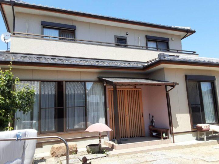 ミルクティー色の外壁で優しい仕上がりに😊|愛知県西尾市S様邸|愛知県西尾市・安城市の塗り替え屋本舗 愛知 704 施工データ  完工