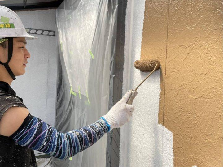 2F外壁塗装 中塗り施工中